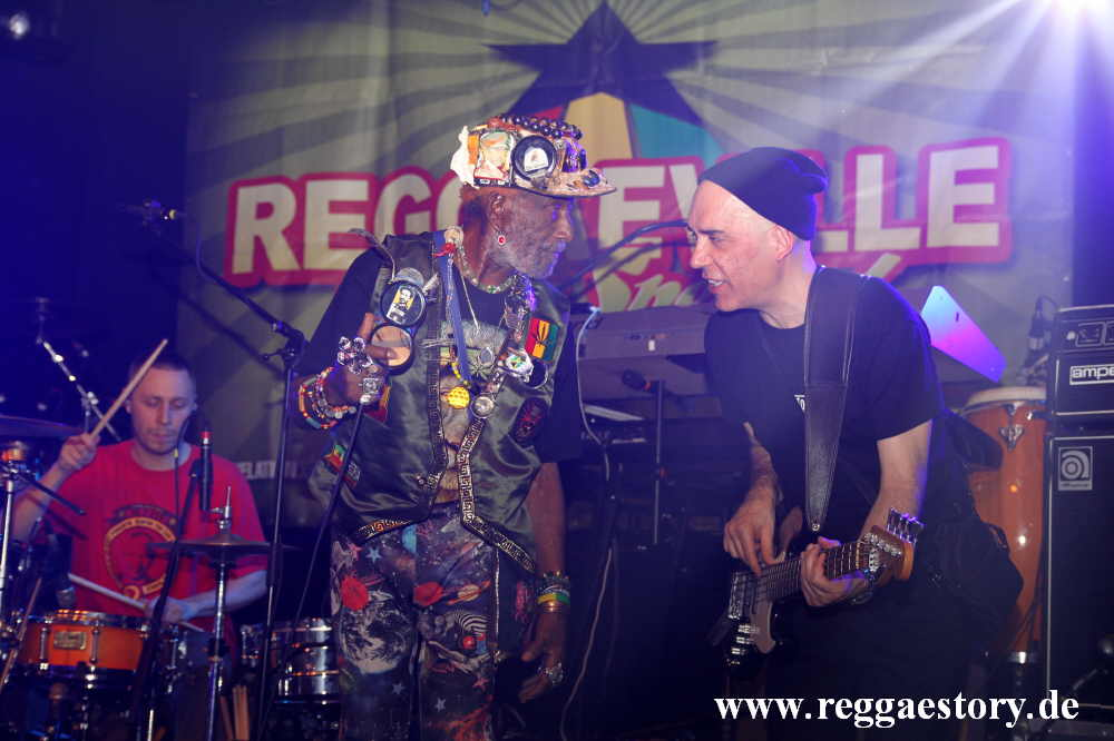 Lee Scratch Perry & Starkee
