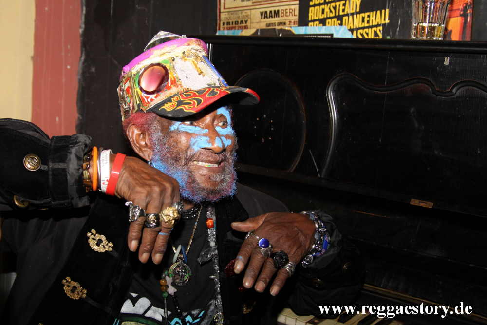 Lee Scratch Perry - Rings