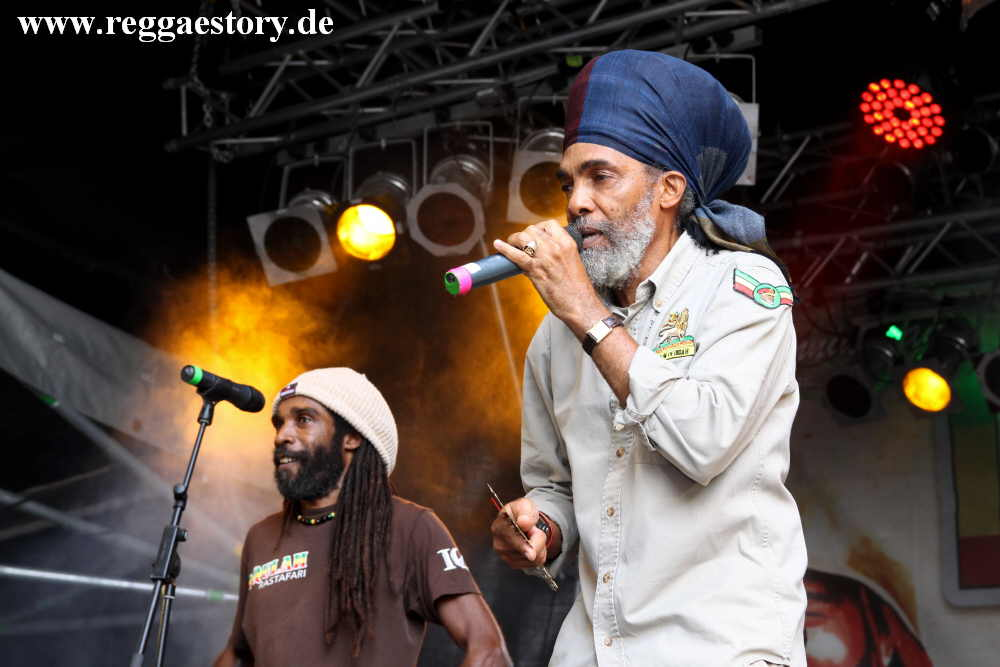 IQulah Rastafari & The Giddeon Family - Reggae Jam 2017