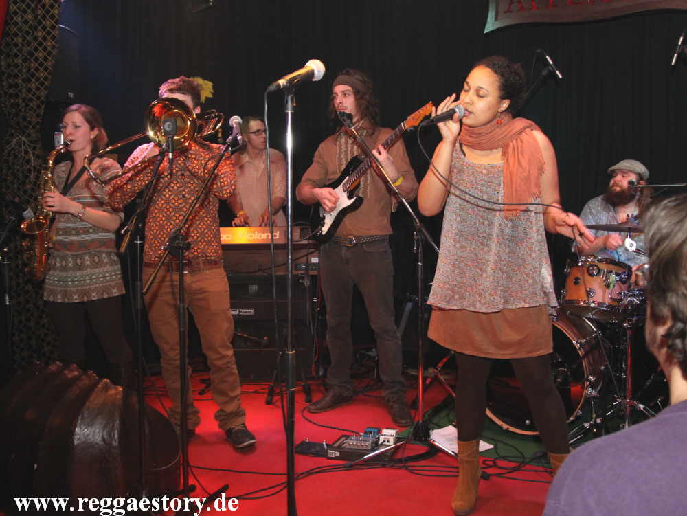Sang Ganyonga & The Steadytones